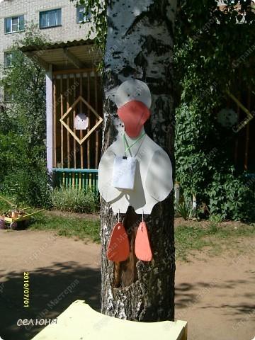 Фоторепортаж Оформление участков в детском саду Материал бросовый фото 19