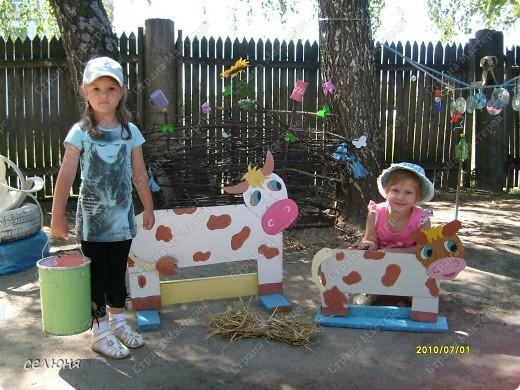 Фоторепортаж Оформление участков в детском саду Материал бросовый фото 4