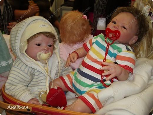 Вот мы и побывали на выставке кукол. Успели в последний день посетить. Предлагаю вашему вниманию немного фотографий, в реальности их больше. Эта кукла мне безумно понравилась, считаю что она самая лучшая. фото 18