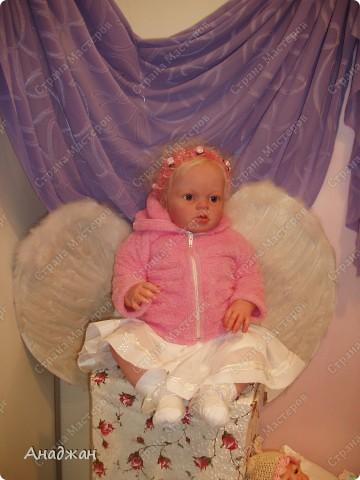 Вот мы и побывали на выставке кукол. Успели в последний день посетить. Предлагаю вашему вниманию немного фотографий, в реальности их больше. Эта кукла мне безумно понравилась, считаю что она самая лучшая. фото 14