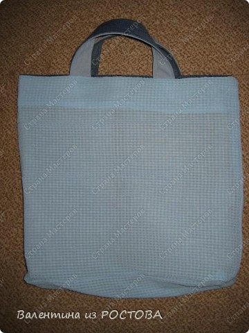 Для пошива сумки понадобится: 2 джинсов разных расцветок, ножницы, нитки, сантиметр, швейная машинка, подкладочная ткань, терпение. фото 7