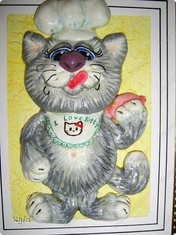 Снова кот, снова по мотивам Марины Архиповой, снова ей СПАСИБО))))))) Меня эти коты теперь не отпускают, вот еще партию налепила. сохнут)))) Этот был вчера подарен подруге на ДР, она его сырого увидела и сказала, что это ей)))) Раньше не показывала, чтобы она не увидела))) фото 2