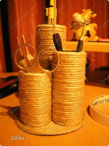 Вот такая от подставочка у меня получилась из шпагата и картонной трубки нарезанной на цилиндры разной длинны. фото 3