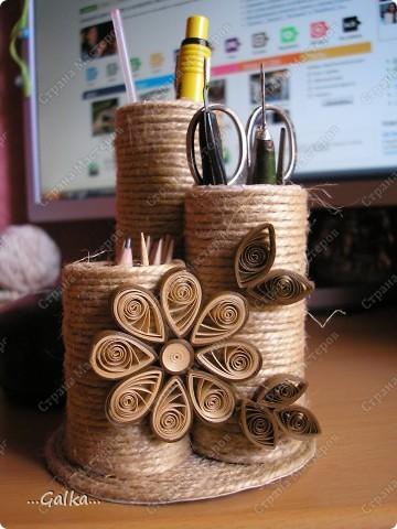 Вот такая от подставочка у меня получилась из шпагата и картонной трубки нарезанной на цилиндры разной длинны. фото 2