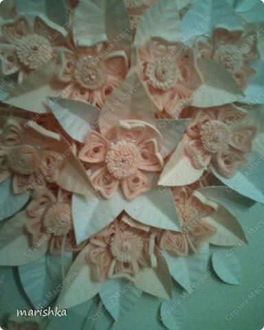 Свадебный букет. Выполняя эту работу, вспомнила, что розовой бумажки у меня нет , пришлось делать листики из белой бумаги. фото 2