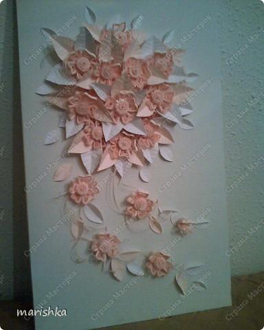 Свадебный букет. Выполняя эту работу, вспомнила, что розовой бумажки у меня нет , пришлось делать листики из белой бумаги. фото 1