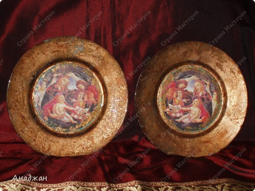 """Часы """" Мадонна"""" Основа дерево, рисовая карта, мозаика. Рельефная паста, акриловые краски фото 3"""
