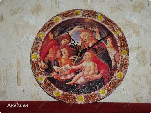 """Часы """" Мадонна"""" Основа дерево, рисовая карта, мозаика. Рельефная паста, акриловые краски фото 2"""