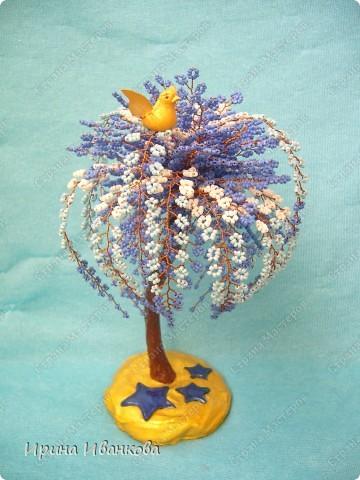 """Пусть будет """"Звездный путь""""))) Дерево состоит из 50 фиолетовых веточек по 12 петель и 15 трехцветных веточек по 32 петли. фото 1"""