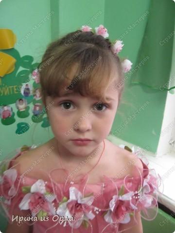 """Сидим с дочкой на больничном. Есть время для экспериментов с косичками. Решили сделать """"сердечко"""" (вид сзади).  Все причесочки делали по МК Яна-Лапа. Спасибо этой замечательной мастерице и ее терпеливой дочке!!! фото 7"""