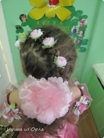 """Сидим с дочкой на больничном. Есть время для экспериментов с косичками. Решили сделать """"сердечко"""" (вид сзади).  Все причесочки делали по МК Яна-Лапа. Спасибо этой замечательной мастерице и ее терпеливой дочке!!! фото 5"""