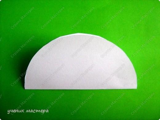 Здравствуйте, я к вам сегодня тоже с елочкой. Идея этой елочки пришла, когда по МК Татьяна Николаевны- http://stranamasterov.ru/node/56531 делала фигурки людей из кругов. Результатом хочу поделиться с вами. фото 2