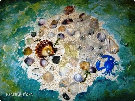 Здравствуйте, дорогие любители путешествий! Сегодня мы отправимся с вами в море, а точнее на морское дно и посмотрим,  как устроена жизнь на глубине.   Все ли собрались на корабле? Да, проникновение в морские глубины напоминает полет в открытый космос - гидрокосмос. По-моему, все!  Тогда в путь!            фото 1
