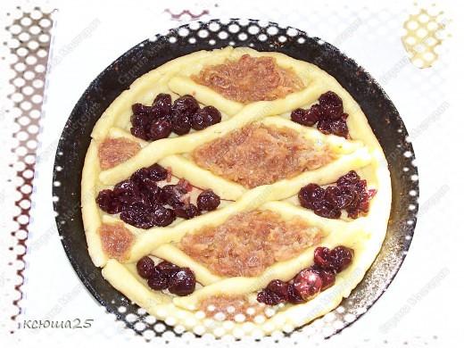 """Вот ,девочки,опять решила испортить вам фигуры,заманив к себе)))))))) Пирог получился такой """"Невкусный"""",что его и печенья уже не осталось))) фото 5"""