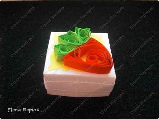 коробочка то ли клубничка, то ли морковка =) фото 3