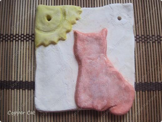 """Я тоже продолжаю готовить подарки к Новому году. И продолжаю воплощать в тесте кошек от """"чудо-в-ладони"""". Вот собственно Я - Медная кошка, греюсь на солнышке))) фото 4"""