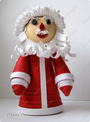 Начинаем по-тихоньку готовиться к Новому году. Вот такой дедушка Мороз у меня получился. фото 1