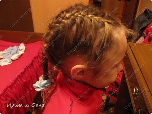"""Сидим с дочкой на больничном. Есть время для экспериментов с косичками. Решили сделать """"сердечко"""" (вид сзади).  Все причесочки делали по МК Яна-Лапа. Спасибо этой замечательной мастерице и ее терпеливой дочке!!! фото 14"""