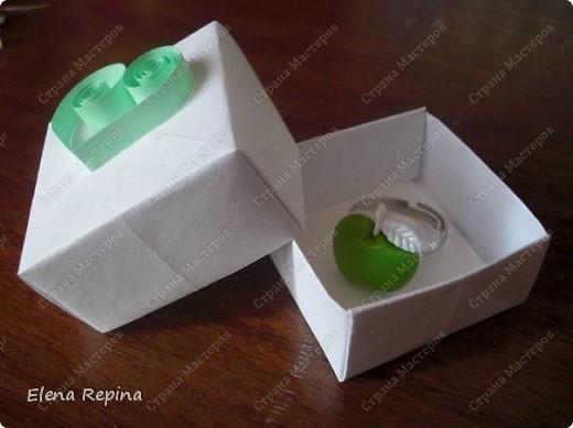 """""""Зеленое яблоко"""" (металлическая основа, пластмассовое яблоко)   фото 3"""