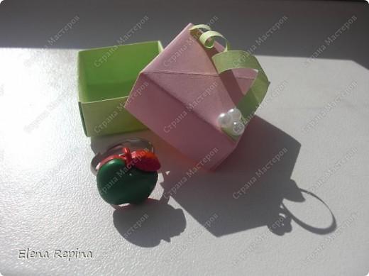 """""""Зеленое яблоко"""" (металлическая основа, пластмассовое яблоко)   фото 4"""