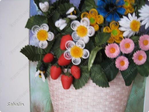 Очень хотелось продлить замечательные летние дни - наполненные ароматами цветов и ягод. Немного намудрила с фоном. Ну что получилось, то получилось. Конечный результат ожидала немного другой, но мне все равно нравится, надеюсь понравится и вам. фото 3