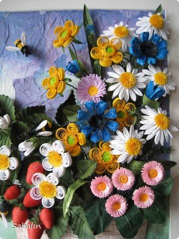 Очень хотелось продлить замечательные летние дни - наполненные ароматами цветов и ягод. Немного намудрила с фоном. Ну что получилось, то получилось. Конечный результат ожидала немного другой, но мне все равно нравится, надеюсь понравится и вам. фото 2