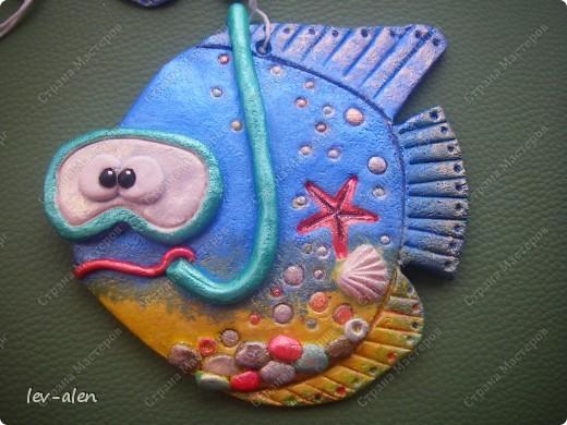 Дочка хотела рыбку в подарок ее тренеру по плаванию. Так появилась идея рыбки-тренера по плаванию, преобразовавшаяся в рыбку -дайвинг-инструктора ;)))  фото 1