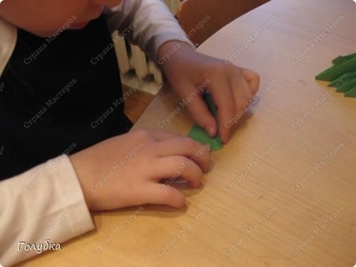 Сегодня на занятие с первоклассниками мы тоже начали подготовку к Новому году и узнали об одной интересной технике -модульное оригами. фото 2