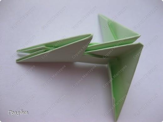 Сегодня на занятие с первоклассниками мы тоже начали подготовку к Новому году и узнали об одной интересной технике -модульное оригами. фото 3