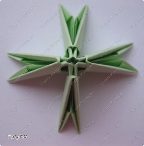 Сегодня на занятие с первоклассниками мы тоже начали подготовку к Новому году и узнали об одной интересной технике -модульное оригами. фото 5