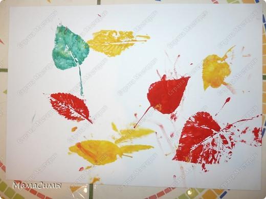 Лист плотной бумаги (формат А3), гуашь, кисть, листья различные по форме и размеру. фото 1