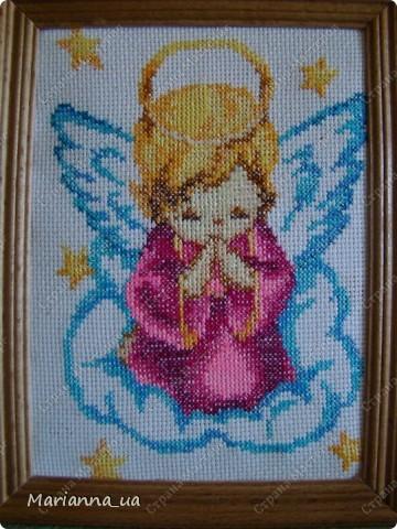 Этого ангелочка начала вышивать для себя, так как первого подарила, а потом когда искала схему метрики для подруги, по поводу рождения дочери, и тут идея появилась, что метрика с ангелом будет очень символично. фото 2