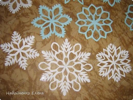 В Стране Мастеров огромное количество разнообразных снежинок, а я вот такие вырезаю фото 2