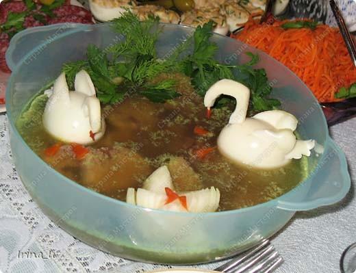 Заливное из языка. Рецепт взят отсюда: http://nnm.ru/blogs/pogremuha/ukrashaem_zalivnoe/ фото 1