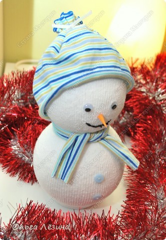 Сделала снеговичка к новому Году.   фото 2