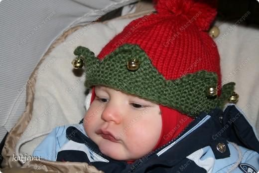 ВСЕМ приятных новогодних и рождественских хлопот! У нас сегодня было открытие сезона и решила и вам показать какие шапочки я смастерила своим малым  фото 3