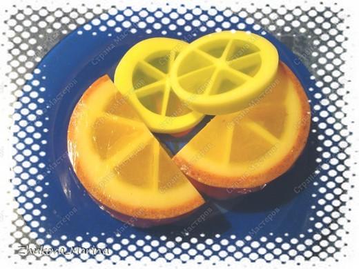 мыло с ароматом апельсина, добавлением масел абрикоса, зародышей пшеницы и виноградных косточек. в шкурке апельсина добавлена цедра и ореховая скорлупка. фото 2