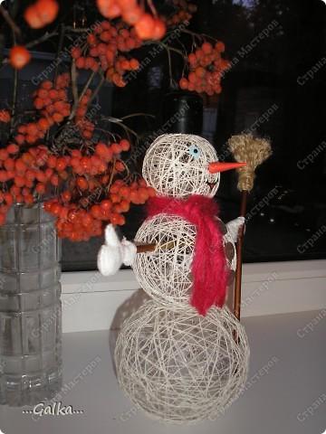 Близится Новый год и вот такой снеговик у меня получился :) фото 3