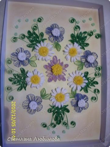 Цветы накрутила давно, а вот собрать в композицию все времени не хватало. Готовились к Новому году. фото 1