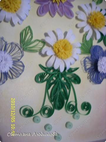 Цветы накрутила давно, а вот собрать в композицию все времени не хватало. Готовились к Новому году. фото 2