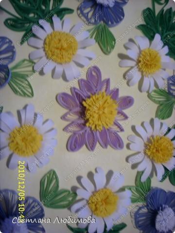 Цветы накрутила давно, а вот собрать в композицию все времени не хватало. Готовились к Новому году. фото 3