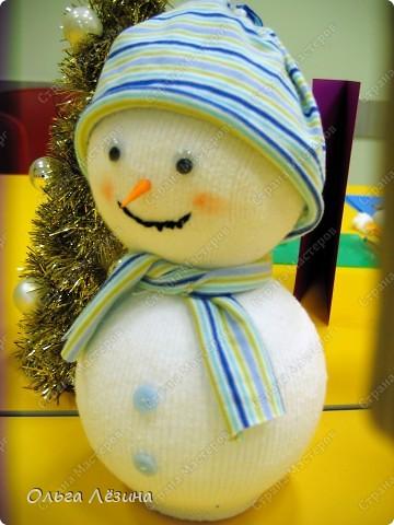Сделала снеговичка к новому Году.   фото 3