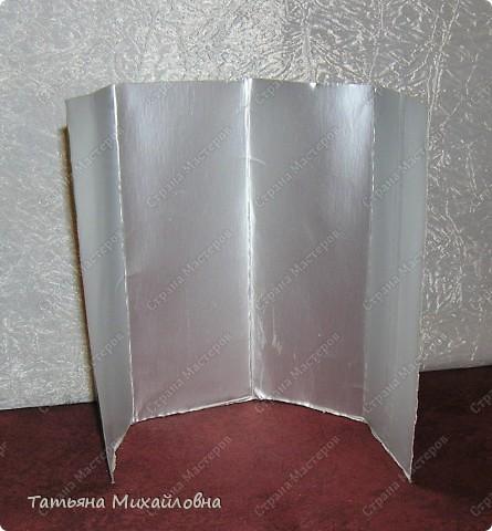 Материал для поделок можно найти всегда. сколько тетра паков мы выбрасываем... А давайте заглянем внутрь. Предварительно отрежем верхнюю и нижнюю части , вымоем тщательно и высушим. фото 2