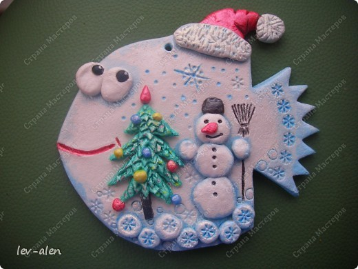 Поделка изделие Новый год Лепка Роспись Рыбки Зимне-новогодние Краска Тесто соленое фото 6