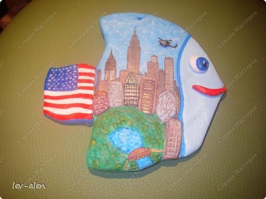 Нью-Йорк, хоть и не официальная, но всеже бизнес-столица США. Это крупнейший мировой центр. И в первую очередь Нью-Йорк ассоциируется с небоскребами Манхэттена.  Это очень интересный и необычный, интернациональный город. фото 4