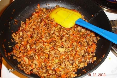 Хочу поделиться любимым рецептом. На Новый год я всегда готовлю фаршированные кальмары. фото 4