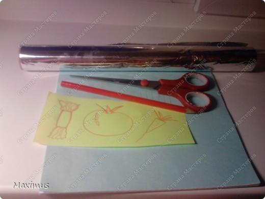 Нам понадобятся:Фольга,тетрадь(любая),ножницы и карандаш. фото 1