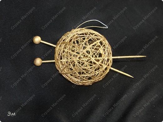 приветствую всех, ко зашёл в гости  мы опять немного помастерили) как делаются такие звёздочки, можно посмотреть здесь, http://crimsonxreign.deviantart.com/art/paper-star-tutorial-108431867    фото 7