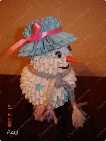 Вот такой у меня снеговик. И даже настоящий вязаный шарф :) фото 2