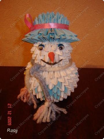 Вот такой у меня снеговик. И даже настоящий вязаный шарф :) фото 1